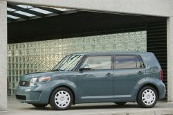 2010-scion-xb-pic-44182