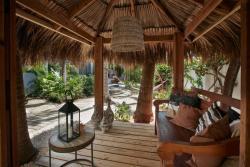 Paradera Park Cabana Suites