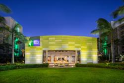 Aruba-Holiday-Inn-Hotel-Entrance.jpg