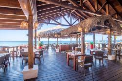 Aruba-Holiday-Inn-Sea-Breeze-Restaurant-Bar.jpg