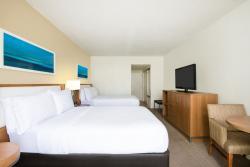 Aruba-Holiday-Inn-Double-Beds-Angle-2.jpg