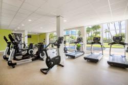 Aruba-Holiday-Inn-Fitness-Center.jpg