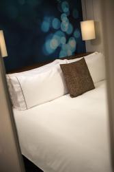 23 Guestroom_OS_Model_Bed_0266.jpg