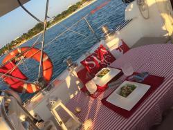 Romantic_dinner_for_two.jpg