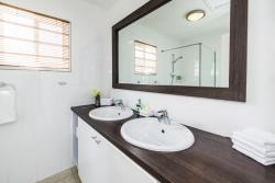 Paradera Park Royal Suite - bathroom.jpg