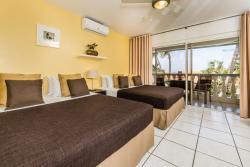 Paradera Park Royal Suite - bedroom.jpg