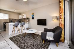Paradera Park Royal Suite - kitchenview.jpg