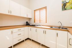 Paradera Park Two Bedroom Suite - kitchen.jpg
