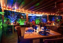 Restaurant Ambiance 1.jpg